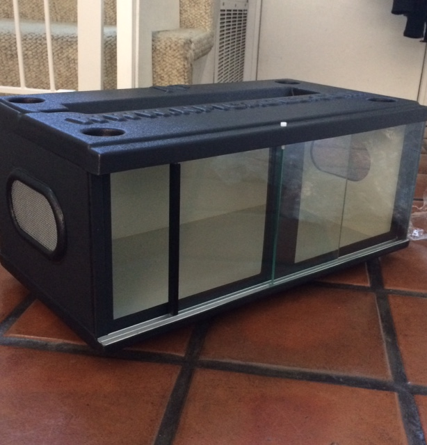 NPI 24-inch stackable cage